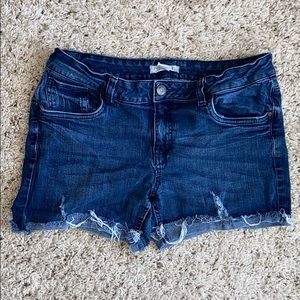 Forever 21 distressed jean shorts size 30